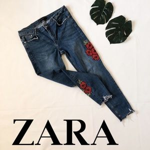 ZARA Embroidered Floral Roses Skinny Jeans
